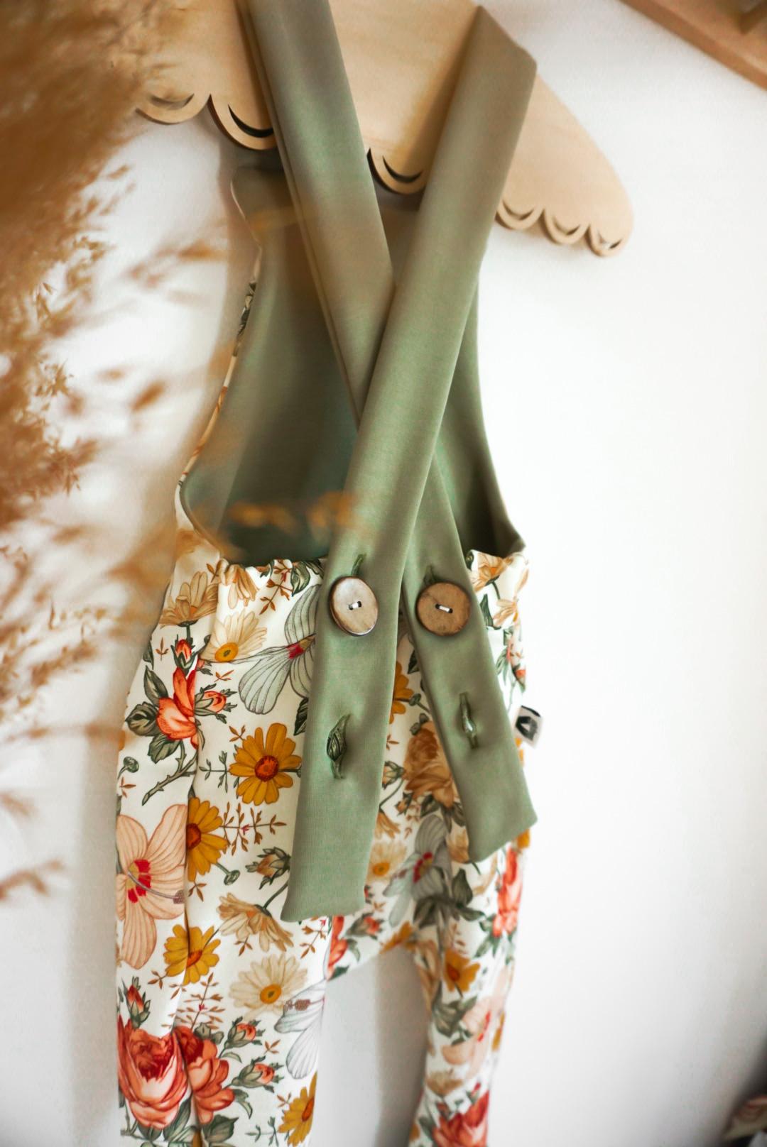Vintage Flowers Latzhose